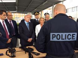 Déplacement du Ministre de l\'Intérieur à l\'Hôtel de Police de ...